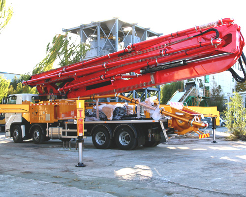 Concrete boom pump for sale in Sri Lanka