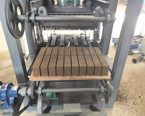 concrete block making equipment